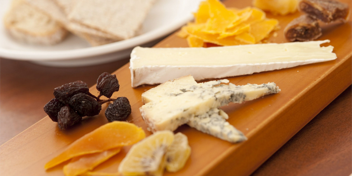 cheeses and raisin