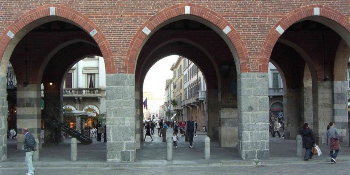 arches and portico in monza